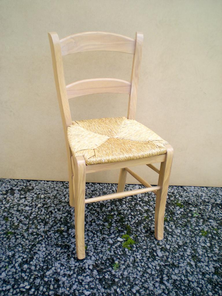 chaise en chêne européen classique